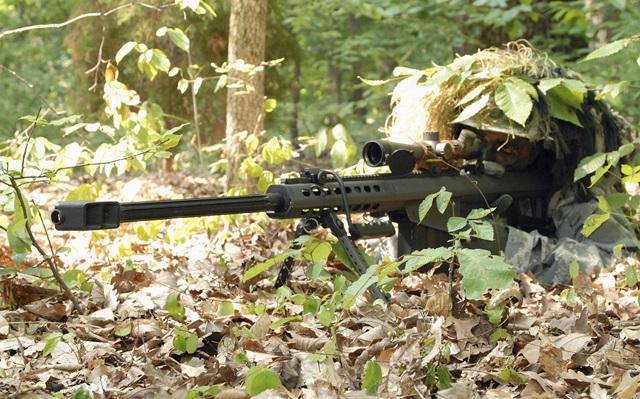 米軍バレットM82を使って狙撃