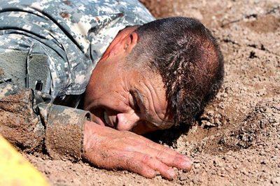 疲労した兵士
