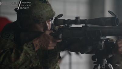 M24SWS対人狙撃銃で遠距離狙撃訓練中の自衛官狙撃手